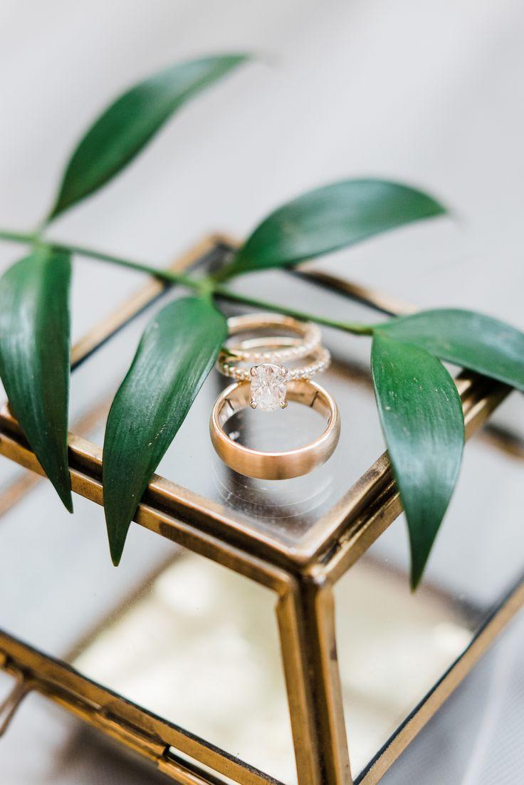 Beautiful gold engagement ring: Photography: AJ Dunlap - ajdunlap.com/...