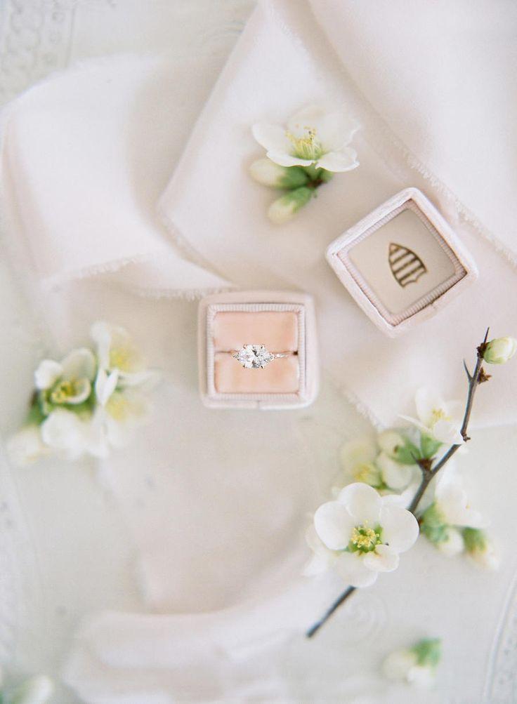 Circle-cut engagement ring: Photography: Audra Wrisley - audrawrisley.com/...