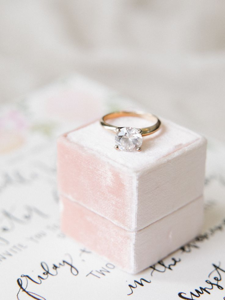 Circle-cut engagement ring: Photography: Tenth and Grace - www.tenthandgrace......