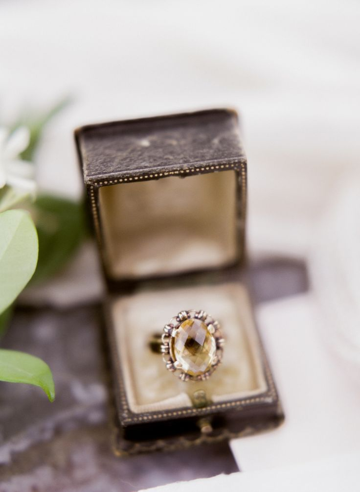 Elegant engagement ring: Photography: Lance Nicoll - lancenicoll.com/...
