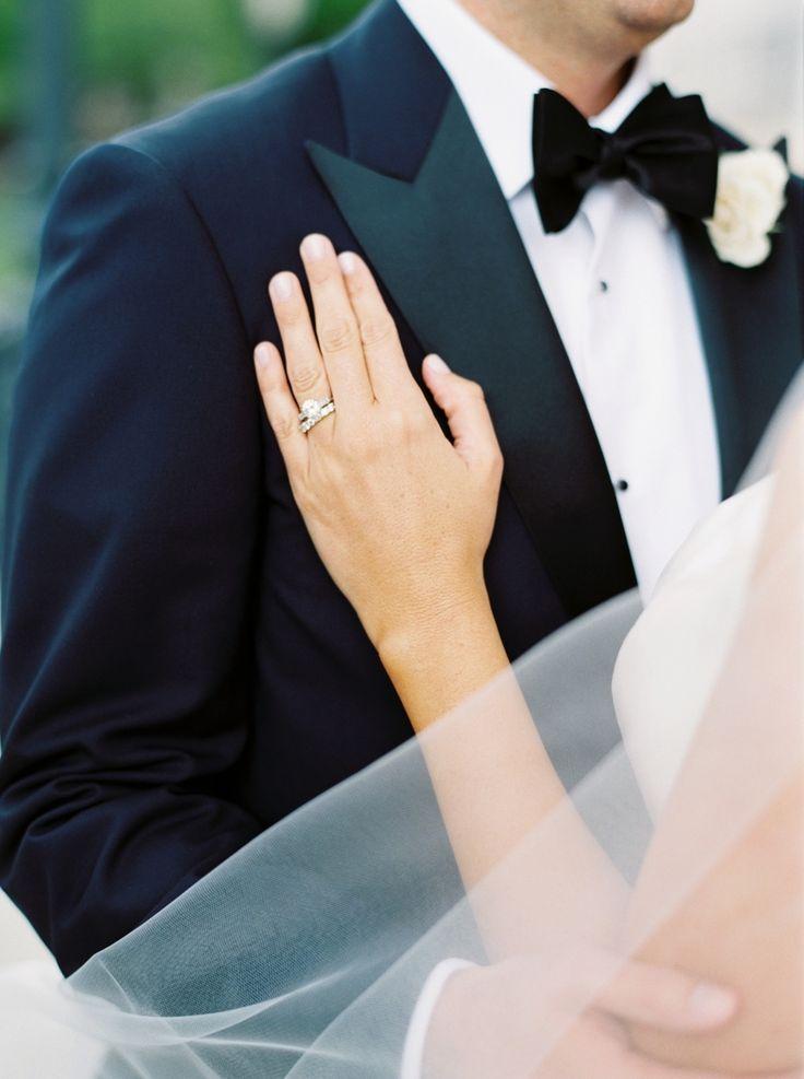 Elegant engagement ring | Photography: Nicole Clarey...