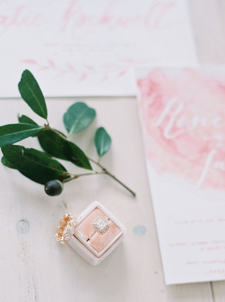 How to make you engagement ring sparkle | Photography: Tenth and Grace - www.ten...