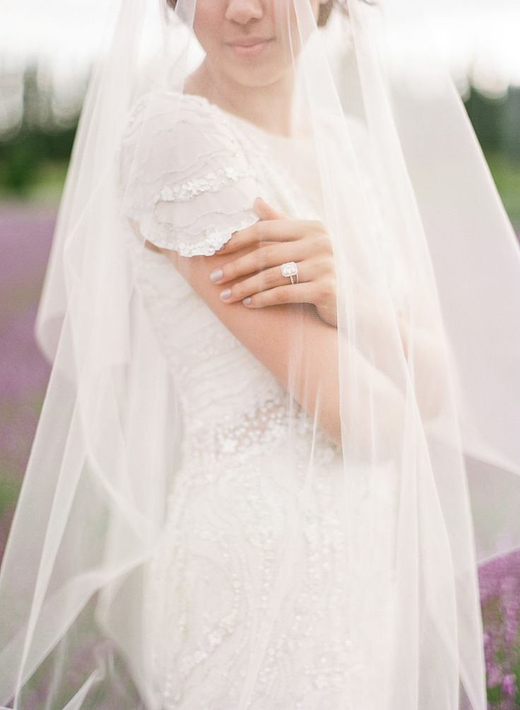 Romantic lavender shoot | Photography: The Ganeys - theganeys.com/...
