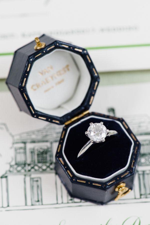 Round-cut engagement ring: Photography: Lance Nicoll - lancenicoll.com/...