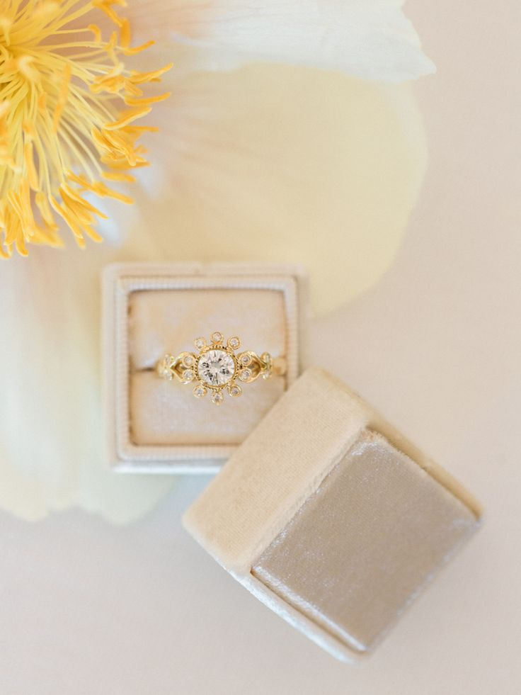 Unique gold engagement ring: Photography: Carlie Statsky - www.carliestatsky......