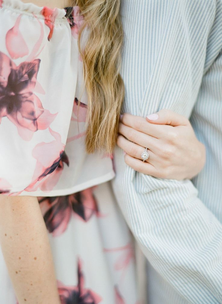 Unique Ring Shots To Consider For Your Engagement Photos | Photography: Alisa Fe...