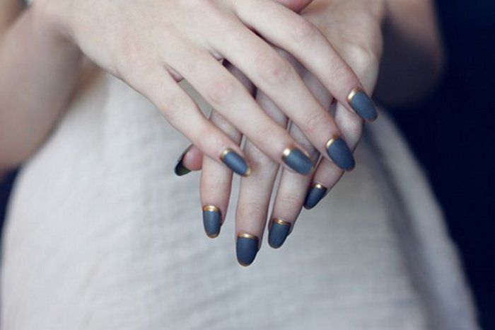 I'm a little bit swoony over that nail look....