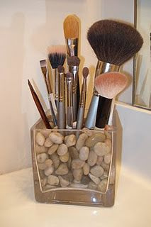 Brush organization...