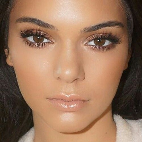Kendall Jenner-natural beauty...