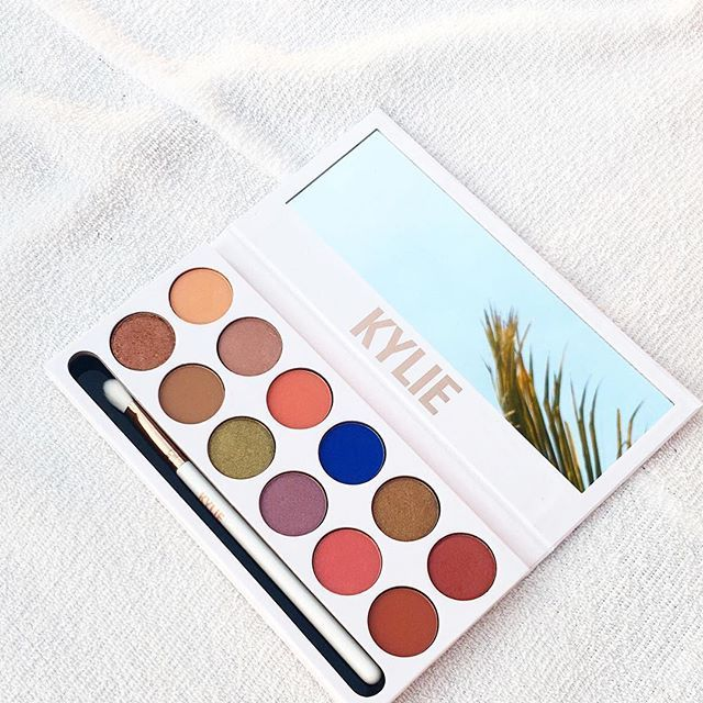 Kylie Jenner Royal Peach KyShadow Palette | StyleCaster...