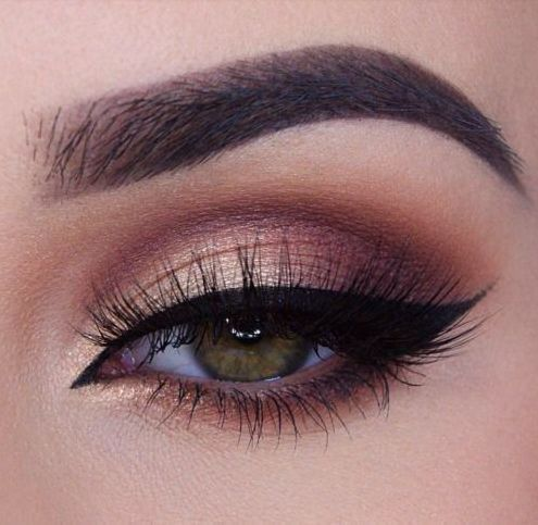 Rose Gold Makeup // Follow us on Instagram, Facebook and Twitter: @thebohemiangu...