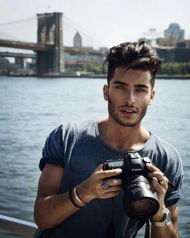 Toni- See photographer....