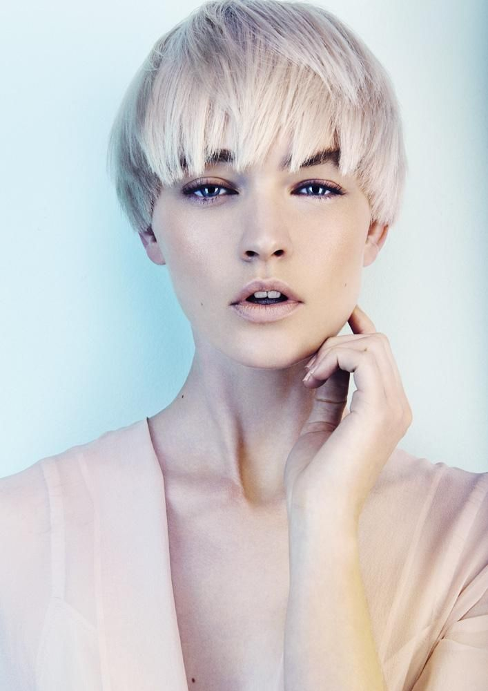 www.estetica.it | Hair: Kevin Kahan Styling: Desiree Make up: Naoko Scintu Photo...