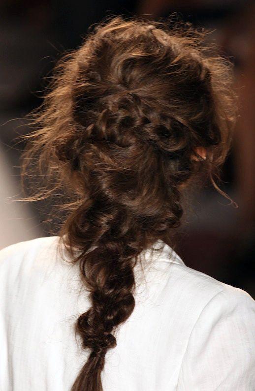 HAIR INSPIRATION: 3 ROMANTIC UNDONE LOOKS