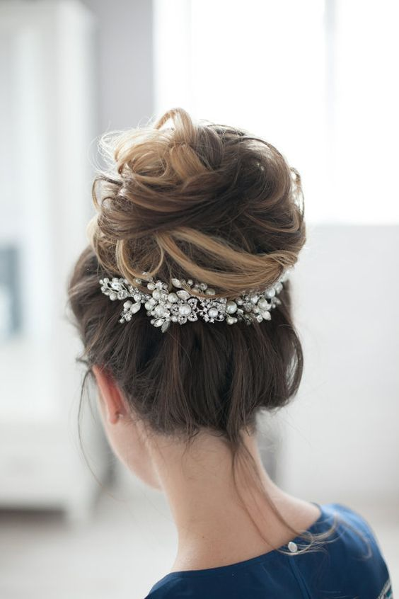 romantic wedding hairstyles | sodazzling.com - Destination wedding in Thailand #...