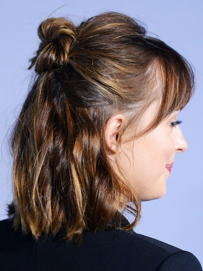 The No-Fringe Fringe: A Low-Commitment Way to Do Bangs via @ByrdieBeautyUK...