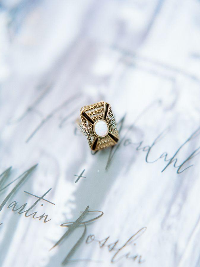 Antique engagement ring: www.stylemepretty... Photography: 2 Brides - 2brides.se...