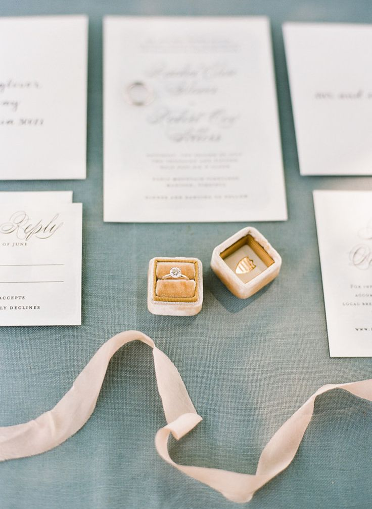 Circle-cut engagement ring: Photography : Ashley Cox Photography Read More on SM...