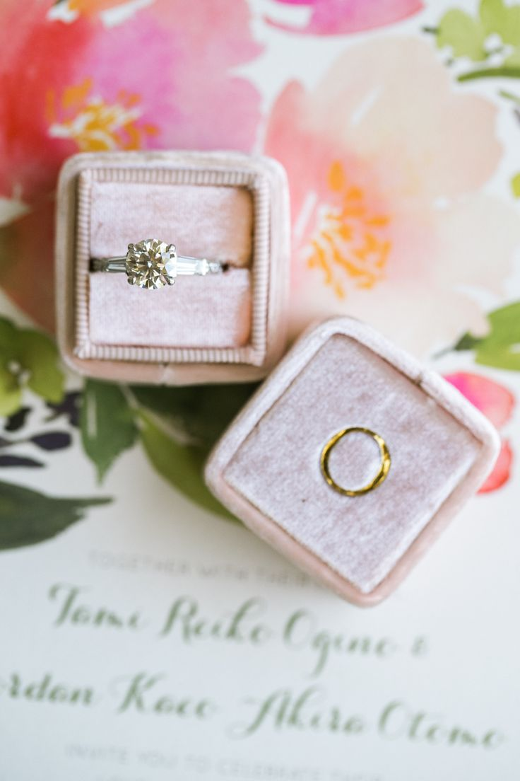 Circle-cut engagement ring: Photography : Jasmine Lee Photography Read More on S...