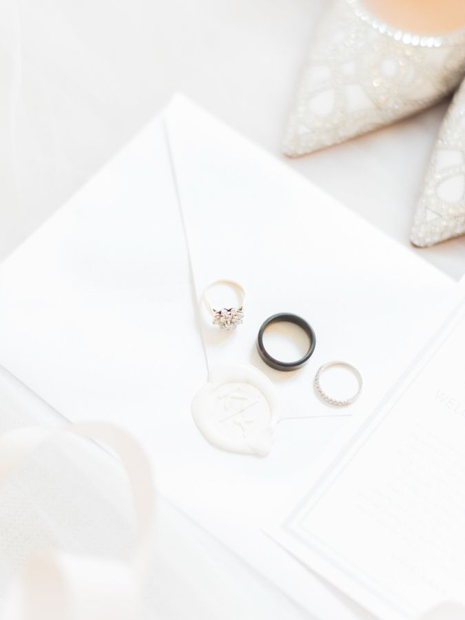 Glamorous engagement ring: www.stylemepretty... Photography: Ether and Smith - e...