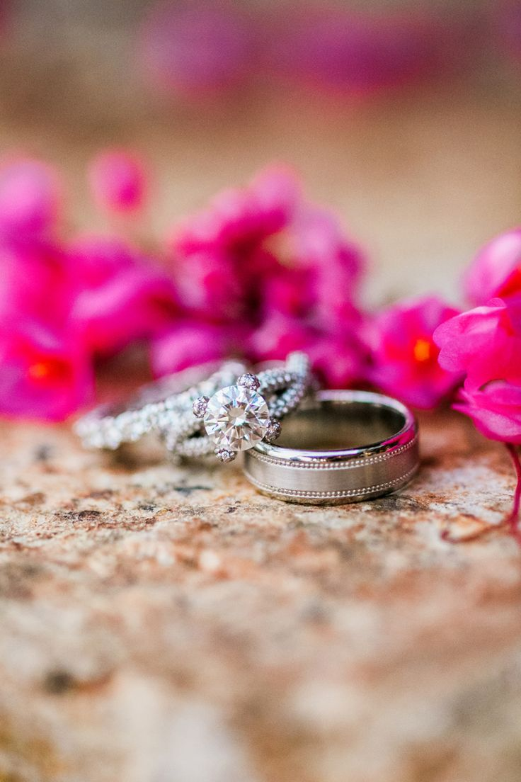 Gorgeous circle-cut diamond ring: Photography: Nancy Aidee Photography - nancyai...