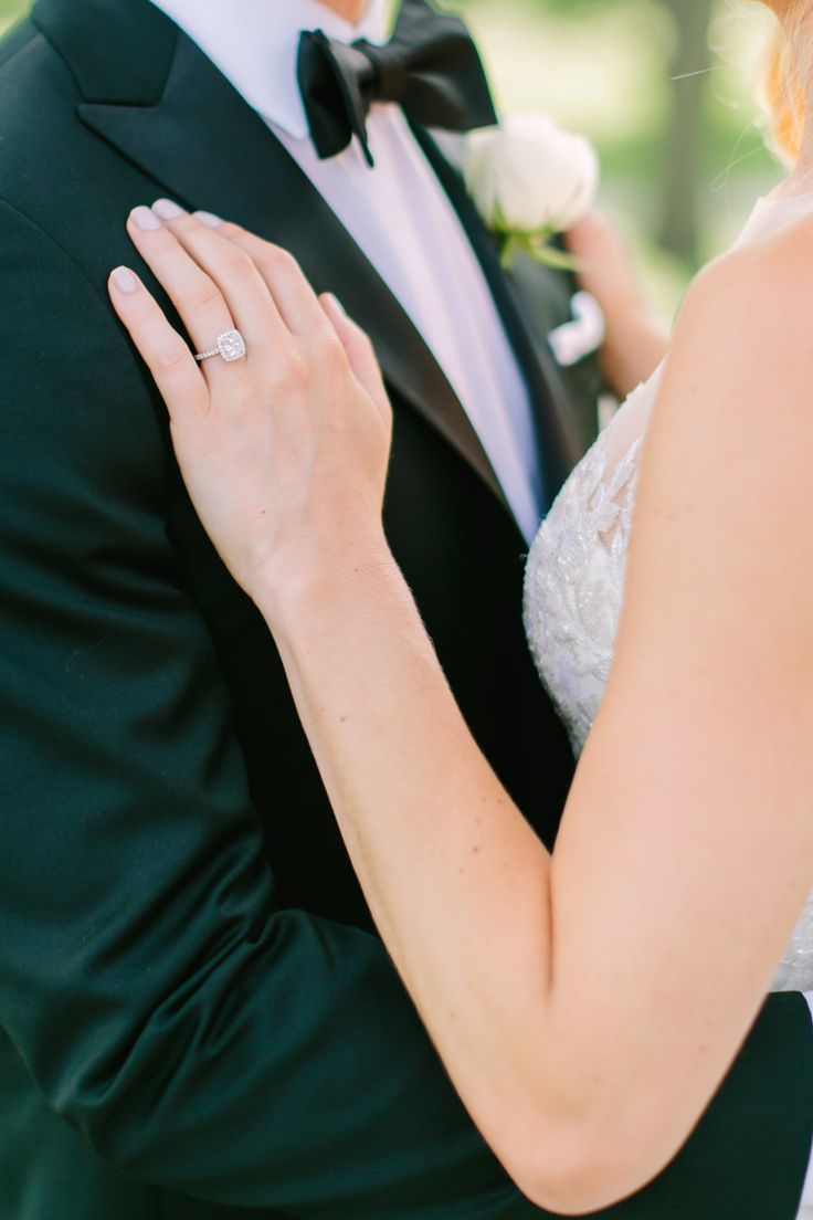 Gorgeous diamond ring: Photography: Love and Light Photographs - loveandlightpho...