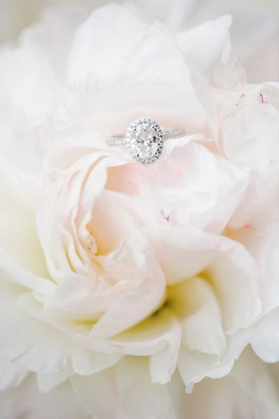 Oval diamond ring: www.stylemepretty...
