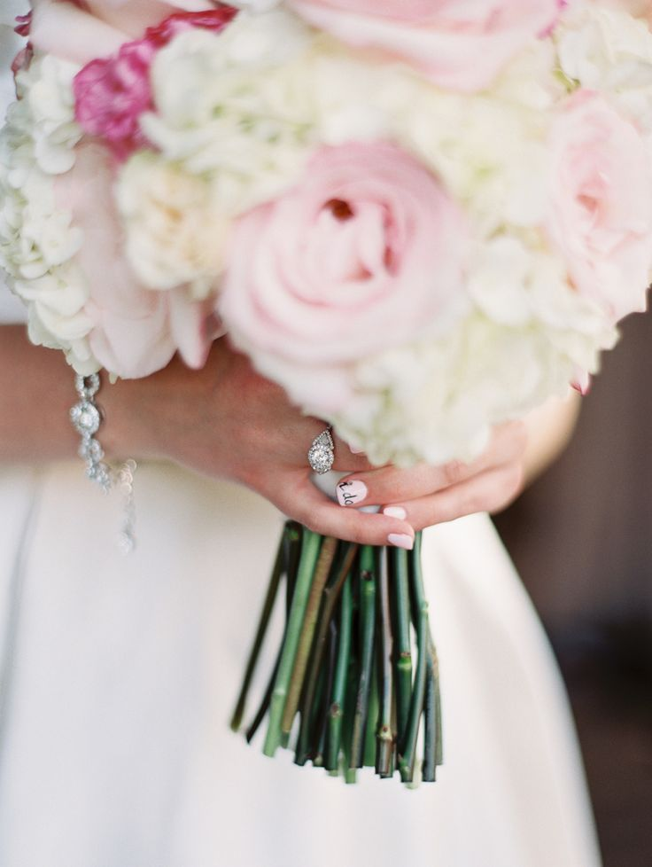 Photography : Sheradee Hurst Photography Read More on SMP: www.stylemepretty...