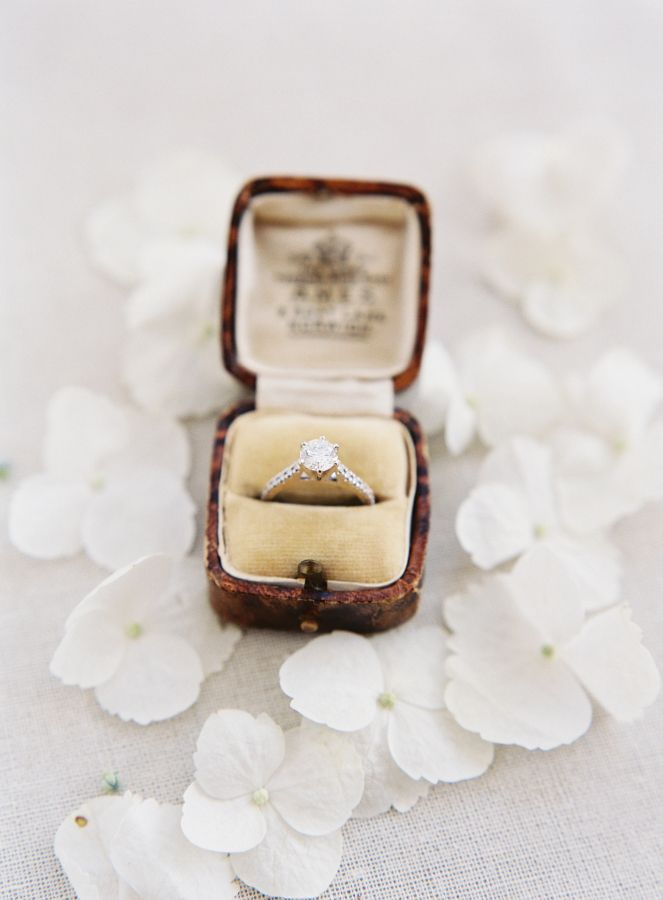 Timeless engagement ring: www.stylemepretty... Photography: Heather Payne - heat...