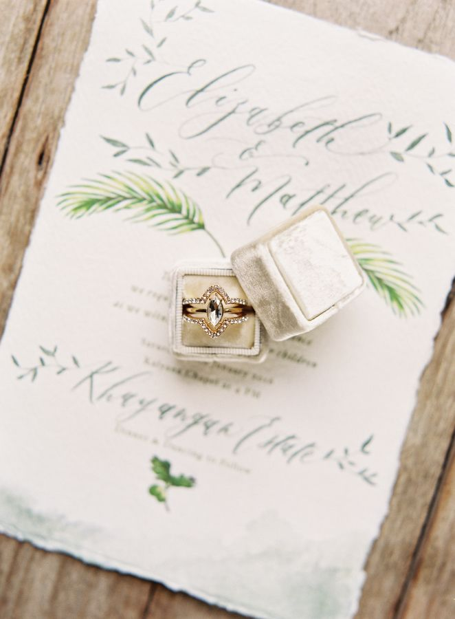 Vintage engagement ring: www.stylemepretty... Photography: Oliver Fly - oliverfl...