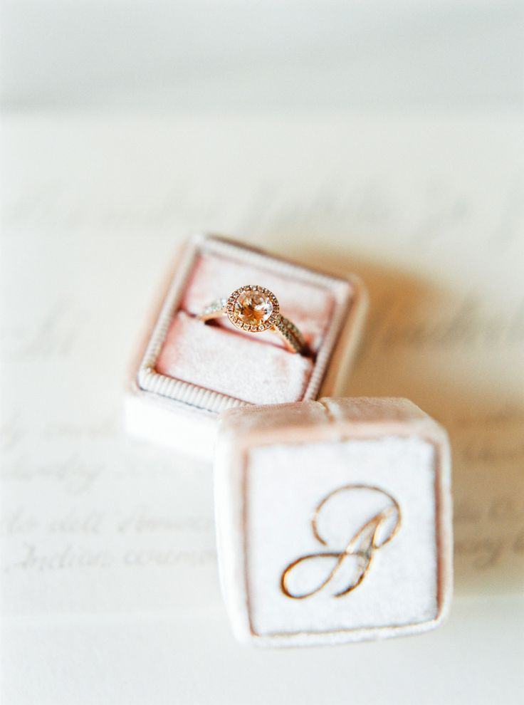 Vintage gold engagement ring: Photography : André Teixeira, Brancoprata Read Mo...