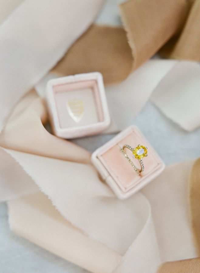 Vintage yellow diamond ring: www.stylemepretty... Photography: Sophie Epton - ww...