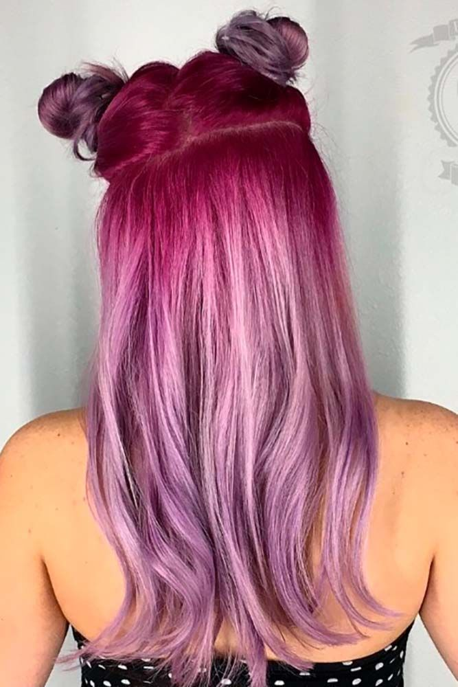 Pink hair is all the rage. From pretty pastel pink hair to neon pink, the sky&#3...