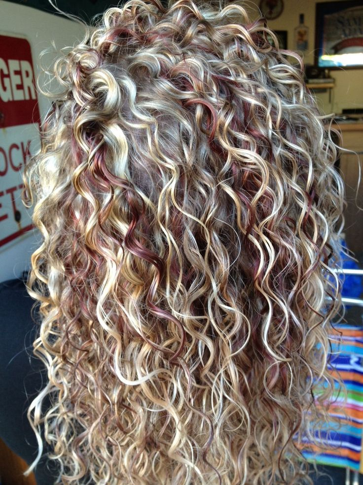 blonde curly hair with red streaks ♥3