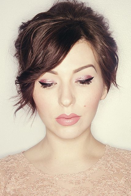 Dramatic glittery eye makeup, but so pretty. Click on the photo for details....