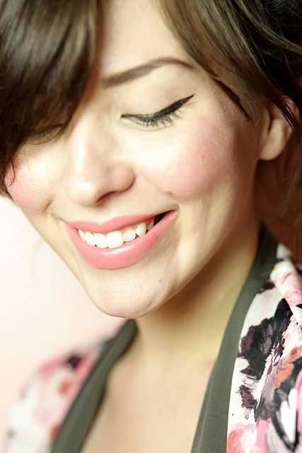 I love this cat eye and soft pink makeup from blogger Keiko Groves. Click throug...