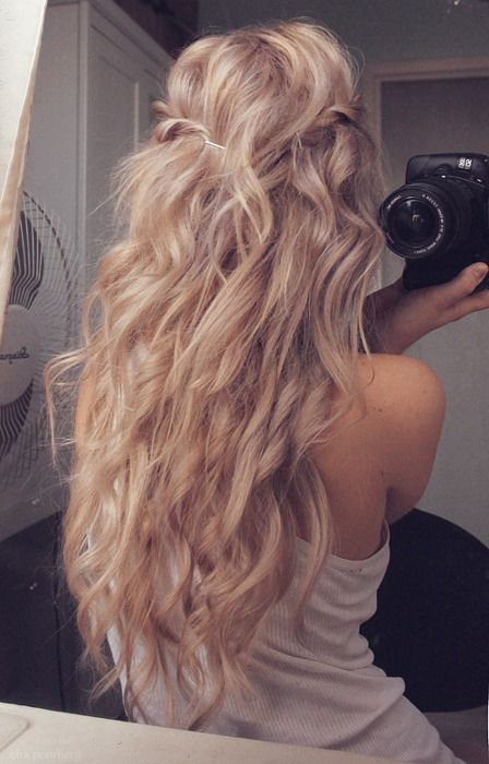 I need this hair... not that blonde though