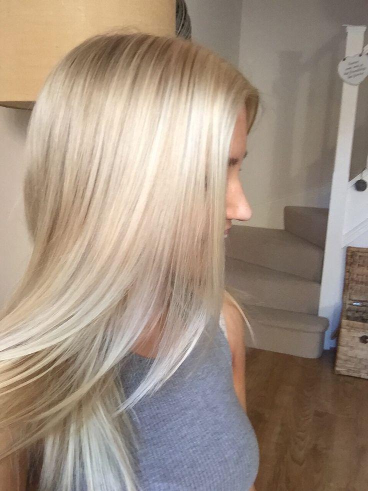 My amazing friend did my hair #creamyblonde #loreal...