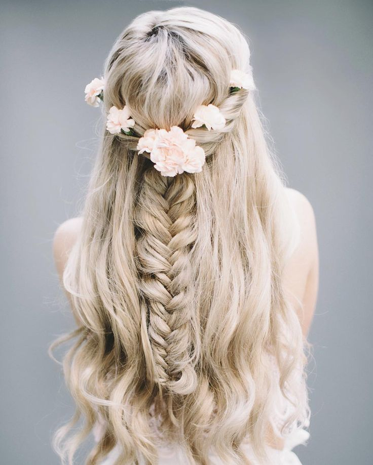 Pretty little hair inspo in collaboration with @bamhair + @brittanyreneephoto ...