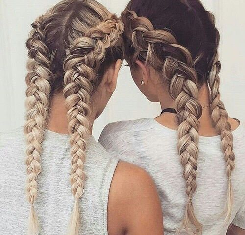 This is amazing. when i see all these cute hair styles it always makes me jealou...