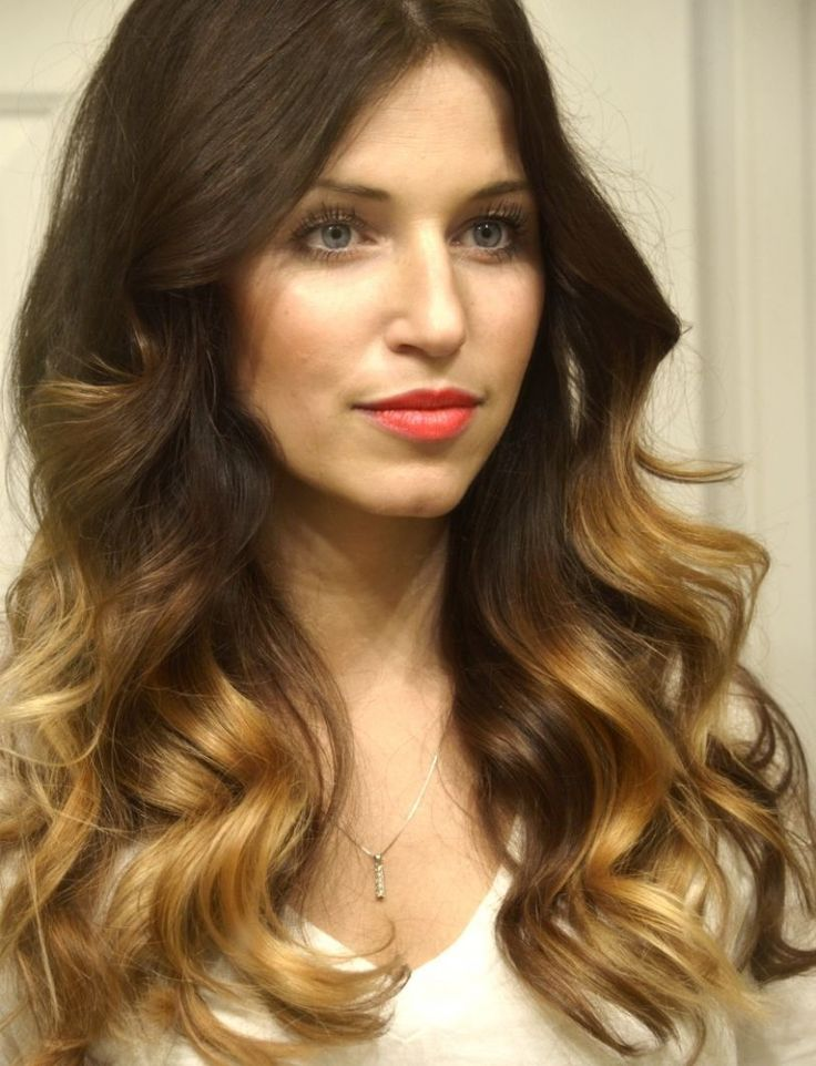 Use a curling iron to get these loose curls. Click on the photo to get the steps...