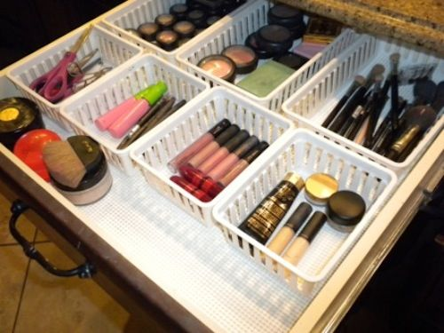 50 Genius Storage Ideas (all very cheap and easy!) Great for organizing and smal...