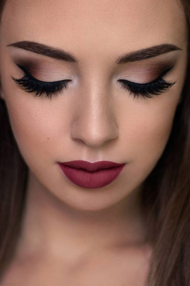 Are you searching for the trendiest prom makeup looks to be the real Prom Queen?...