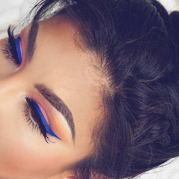 Blue Eyeliner Makeup Look...