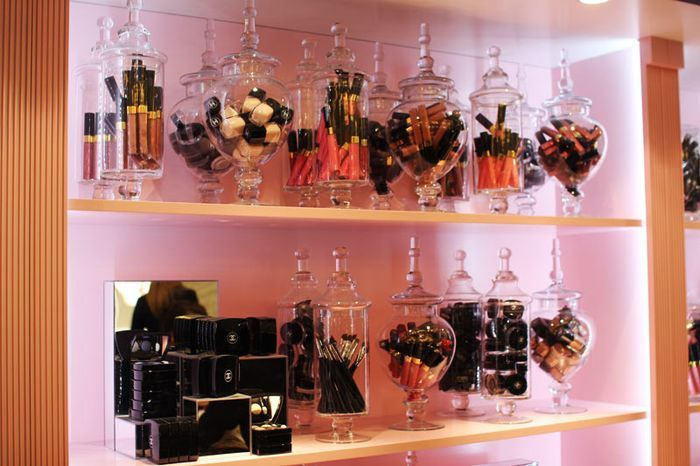 Cool idea on how to display ur makeup brushes & keep them dust free...glass jars...