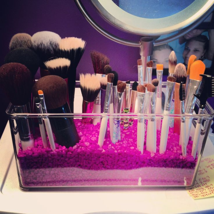 DIY Makeup brush container with aquarium rocks!!