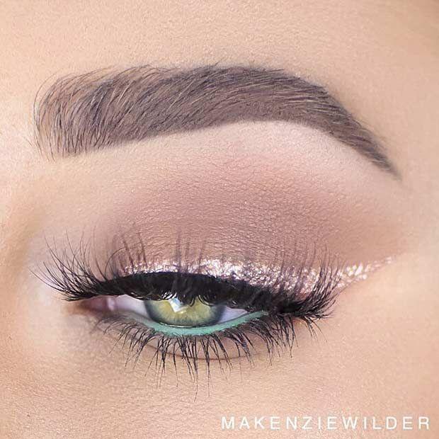 Elegant Gold Glitter Eyeliner Makeup Look