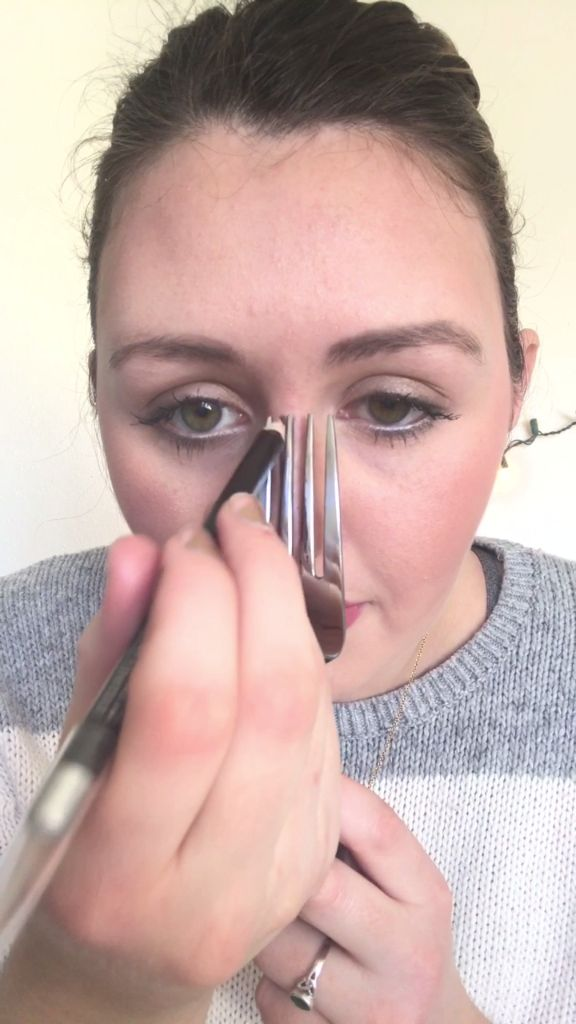 How to Contour Your Nose With a Fork with this beauty tutorial video