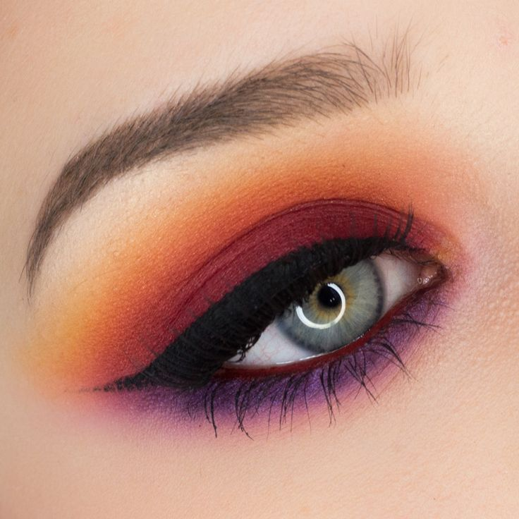 I'm not into doing much vibrant color for my eyes, but i do love a warm deep...