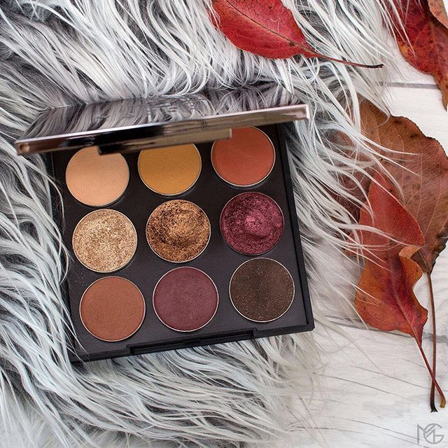 It's the 1st day of fall AKA time to grab our new limited-edition Autumn Glo...